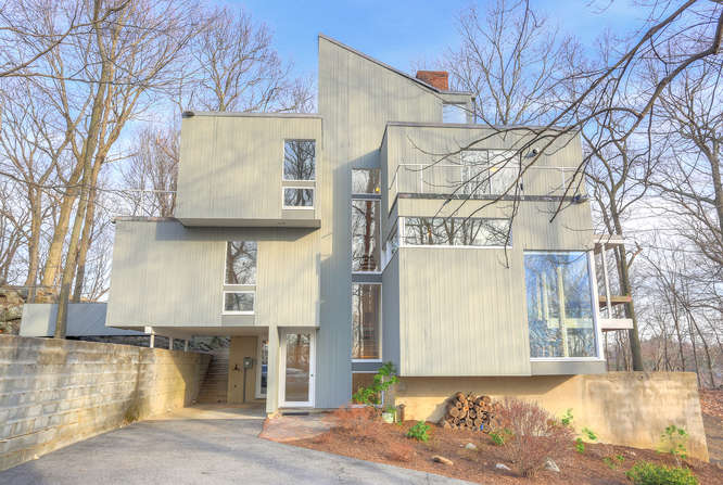 7 Mayberry Close Chappaqua NY-small-033-19-7 Mayberry Close 005-666x448-72dpi